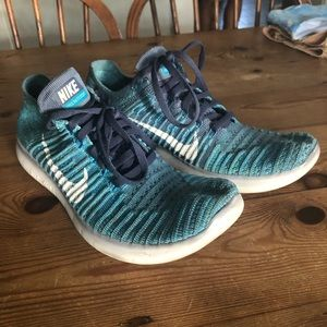 Blue Nike Free Run Running Shoes